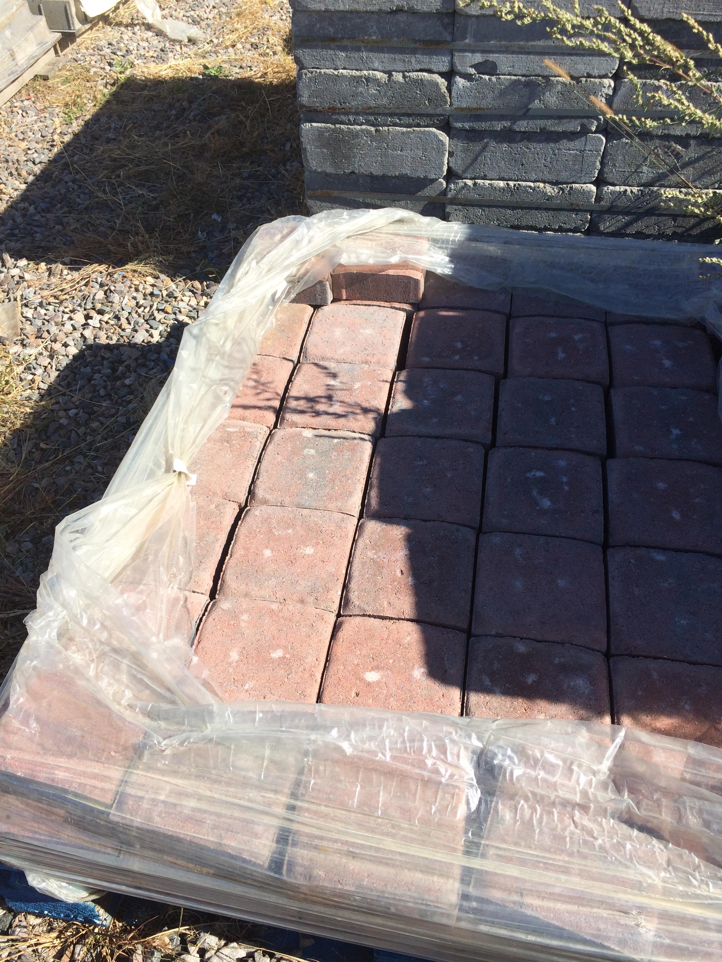 Camelot_Paver_in_Rustic_Red.jpg