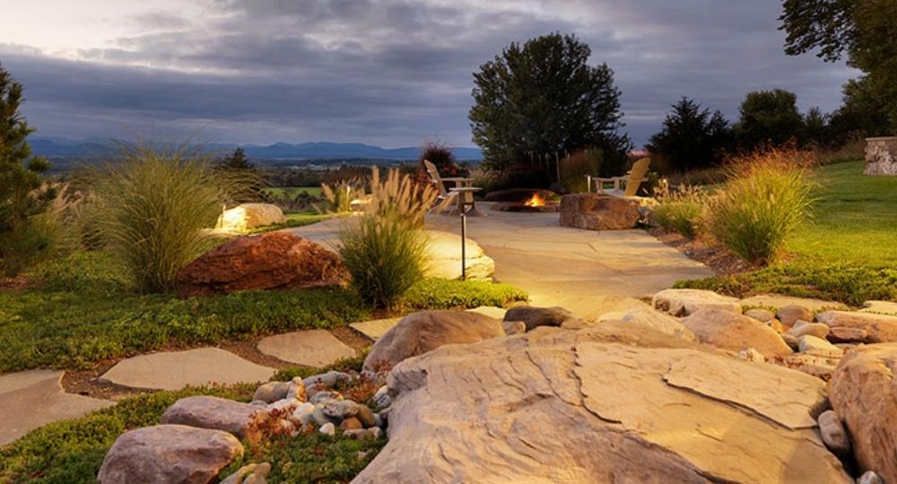 landscape_lighting_main_image-770359-edited.jpg