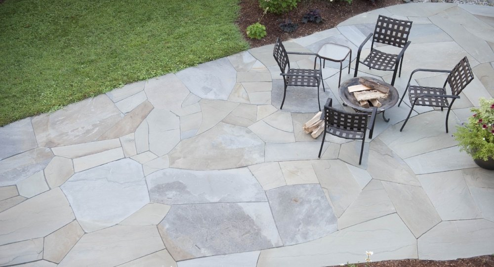 5 Essential Factors When Choosing Stone Pavers And Flagging For Your Yard