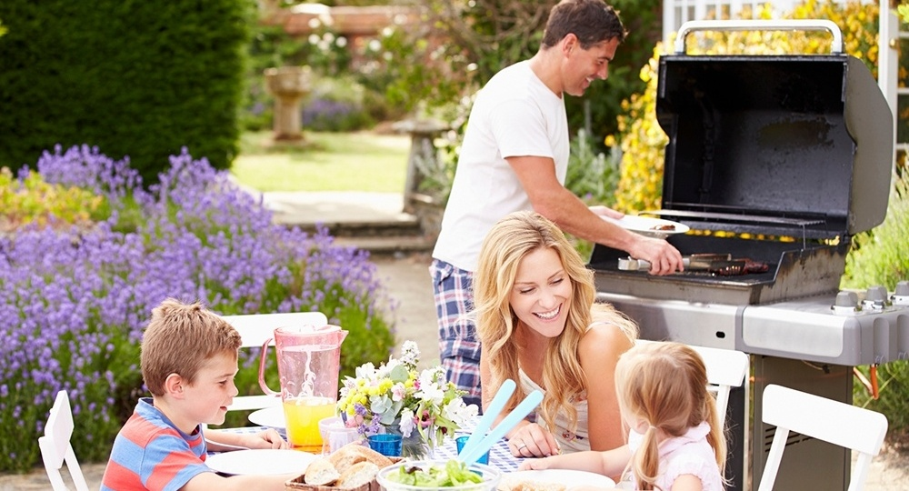 6 Outdoor Living Features That Will Revitalize Your Backyard